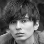 テラハしおんの弟がイケメン!モデルで早稲田大学生?